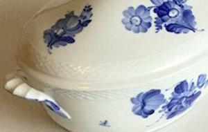 anonymous photo: detail of Royal Copenhagen tureen, Blue Flower Braided pattern